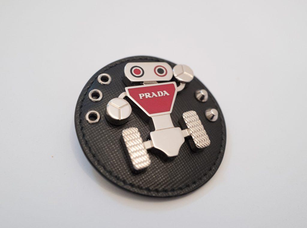 Prada robot - Badge