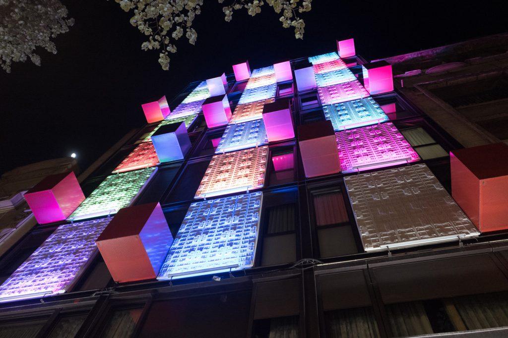 Hotel De La Paix - outside at night